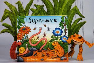 "Dornerei - Theater mit Puppen ""Superwurm"""